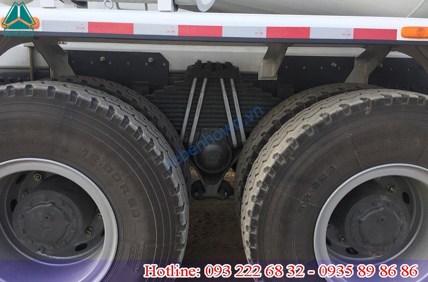 Xe trộn bê tông 10m3 HONGYAN thùng trộn CIMC