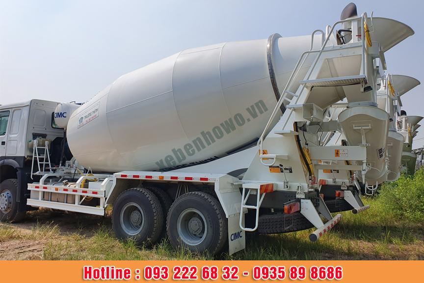 Xe trộn bê tông HOWO 15 m3 thùng trộn SUNHUNK